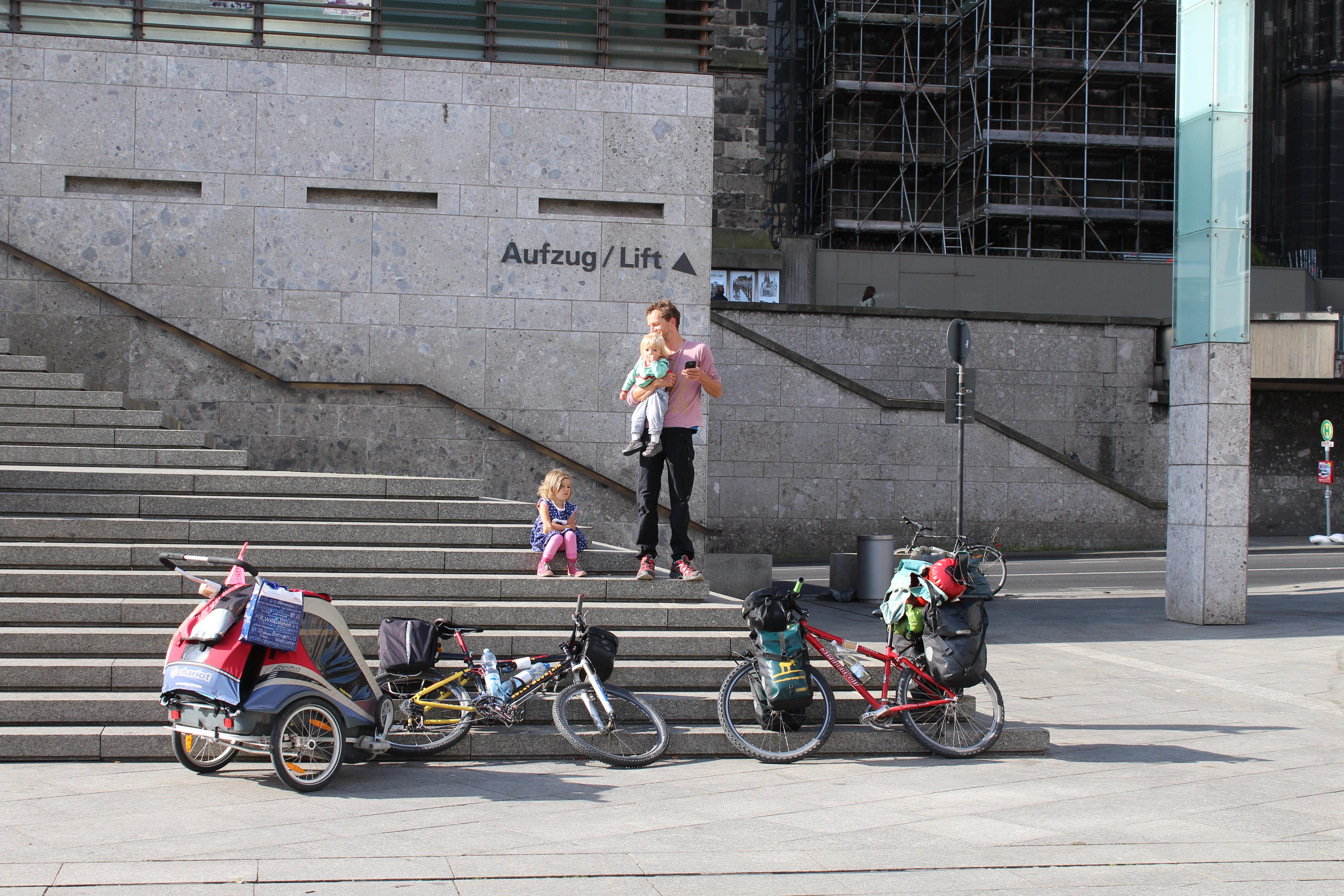 Unterwegs sein - Spielplätze Bratislava und Wien Fahrradreise mit Kindern | Europareise im Baltikum, Kroatien, Slowenien, Oesterreich - Camping und Kinder