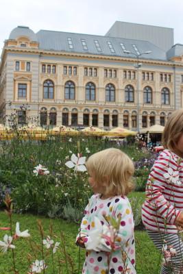 Die erste Reifenpanne Europa Fahrradour mit Kindern- Reisen mit Kind und Fahrrad im Baltikum, Kroatien, Slowenien, Estland, Lettland- MTB & Chariot & Vaude