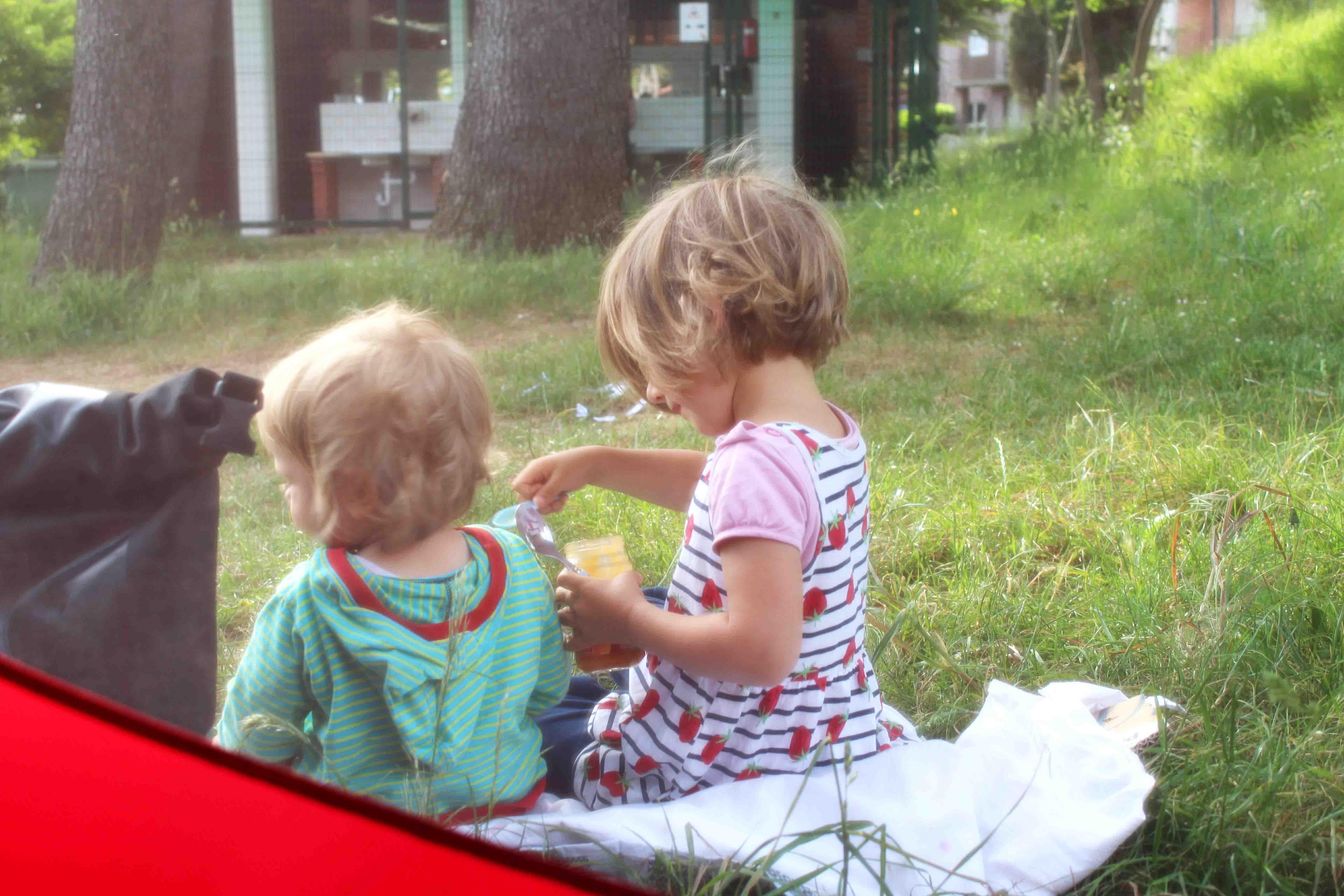 Radreise mit Kindern - Hier erfährst Du alles über Ausrüstung & Tricks für das Radreisen mit Kindern, Zelt & Anhänger. Unsere Stories über 8 Monate Europa